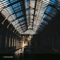 #Torino raccontata dai cittadini per #inTO  Foto di lazivowski Non sapevo si potesse salire al secondo piano di questa galleria, davvero affascinante