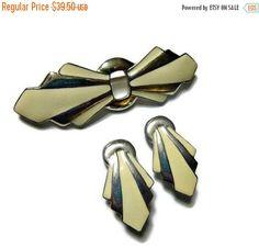 SALE Art Deco Brooch & Earrings Set, Vintage 30s 40s Brooch Demi, Cream…