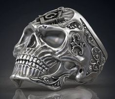 ******* For current turnaround it's 3 to 4 weeks ******* if you need sooner please send a message before purchasing. Masonic Mason Skull Ring, metal options, sterling silver, 14k white gold, 14k rose gold, 14k yellow gold, 950 palladium, platinum. Under **material** click on **select an option** to select the materials for your ring. Under **size** click on **select a size** to pick your ring size. If you do not see the size that you need please contact us before purchasing. * * * PLEASE…