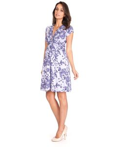 Worn by Kate Middleton, the Duchess of Cambridge, our beautiful Blossom Knot Front Maternity Dress is a must-have for before, during & after pregnancy. Lavender Maternity Dress, Maternity Nursing Dress, Maternity Wear, Maternity Dresses, Maternity Style, Pregnancy Fashion Winter, Summer Maternity Fashion, Stylish Maternity, Pregnancy Style