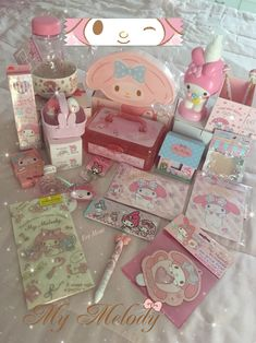 las nuevas compras Dream Anime, Baby Pink Aesthetic, Desu Desu, Im Falling In Love, Baby Friends, Kawaii Accessories, Cute Stationery, Cool Backgrounds, My Melody