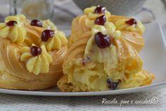 Infallible recipe of Zeppole di S Giuseppe Cheesecake Desserts, Mini Desserts, Chocolate Desserts, Delicious Desserts, Dessert Recipes, Puff Pastry Desserts, Latte, Italian Desserts, Happy Foods