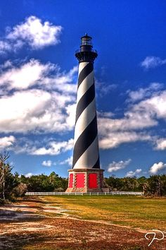 Cape Hatteras Lighthouse, North Carolina - This weeks travel pinspiration on the blog!