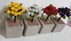#종이 #종이감기공예 #종이감기 #베리 #열매 #화분 #완성 #paper #quilling #paperquilling #berry #색별로 베리 완성~~ 예쁘다~~♡ Quilling 3d, Quilling Flowers, Quilling Ideas, 3d Figures, Flower Pots, Origami, Place Card Holders, Paper, Rock