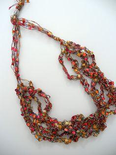 DIY  Trellis Necklace   TUTORIAL  Uses Trellis Ribbon (aka ladder or ribbon yard)    ~justanotherhangup.blogspot.com