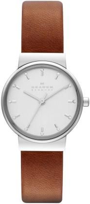 Time to check out the latest women's watch from Skagen. In watch styles from mesh metal to leather straps, our signature thin watches are classic timepieces. Skagen Watches, Big Watches, Watches For Men, Analog Watches, Leather Accessories, Leather Jewelry, Accessories Jewellery, Fashion Accessories, Brown Leather Watch
