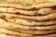 This delicious, pillowy soft Turkish Flatbread is an easy, one-bowl-no-mixer recipe. It's perfect with hummus, tabouli, for wraps and more! Turkish Recipes, Greek Recipes, Romanian Recipes, Scottish Recipes, Turkish Flat Bread, Tomato Salad Recipes, Veggie Recipes, Types Of Bread, Flatbread Recipes