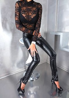 Leather Leggings, Leather Skirt, Skirt Outfits, Casual Outfits, Leggings Fashion, Leggings Are Not Pants, Tights, Spandex, My Style