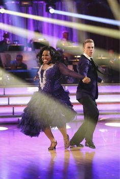 Derek Hough & Amber Riley ~ week 5 ~ Foxtrot ~ 26 out of 30 points