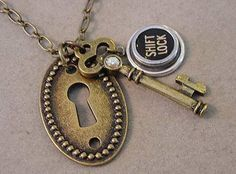 LOCK KEY KEYHOLE Typewriter key pendant Necklace - Typewriter key Skeleton Key Keyhole steampunk jewelry