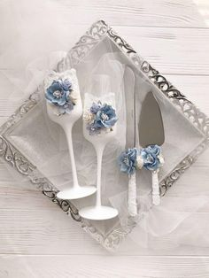 Dusty Blue Champagne Flutes Wedding Bride and Groom Toasting Flutes Wedding Set Vintage Rustic Chic Decor Wedding Glasses Winter Wedding Flute Champagne, Wedding Champagne Flutes, Vintage Champagne, Wedding Glasses, Wedding Sets, Wedding Themes, Wedding Bride, Diy Wedding, Wedding Decorations