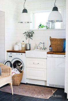 laundry room ideas: wooden counter top, white plank walls, farmhouse sink between washer & dryer Small Laundry, Laundry In Bathroom, Laundry Rooms, Basement Laundry, Laundry Closet, Laundry Area, Compact Laundry, Laundry Center, Bathroom Pink