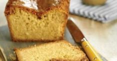 Τα κέικ, στην απλούστερη ή πιο πολύπλοκη εκδοχή τους, συνοδεύουν τέλεια τον πρωινό ή απογευματινό καφέ. Βάλτε στη λίστα με τα αγαπημένα σας και αυτή την Dessert Recipes, Desserts, Cornbread, Diy And Crafts, Ethnic Recipes, Food, Tailgate Desserts, Millet Bread, Deserts