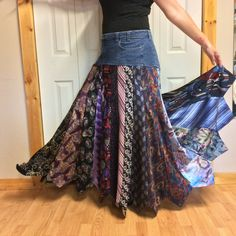 Blue Jean Necktie Skirt/Size 20 Tall/XLong Skirt/Tie Skirt/Silk Skirt/Denim Skirt/Upcycled Recycled R bleu Jean cravate jupe/taille 20 de hauteur/XLong Diy Clothing, Sewing Clothes, Recycle Jeans, Upcycle, Stretch Denim Skirt, Tie Skirt, Diy Vetement, Diy Mode, Creation Couture