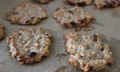 Müsli-Kekse sind nicht nur lecker, sondern auch noch super gesund. Durch die Getreideflocken kann man sie auch mal prima als Frühstücks-Ersatz essen.