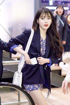 dedicated to female kpop idols. Kpop Outfits, New Outfits, Iu Fashion, Korean Fashion, Beautiful Asian Girls, Beautiful People, Korean Actresses, Celebs, Celebrities