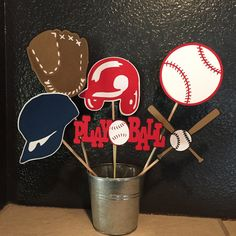 Free baseball party ideas, decorations, food & drink recipes and styling tips for a baby shower, adult, or kid's birthday party Sports Centerpieces, Baseball Centerpiece, Baseball Party Decorations, Baseball Theme Birthday, Party Fiesta, Sports Party, First Birthday Parties, Birthday Ideas, 9th Birthday