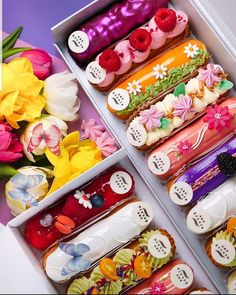 Eclairs with the spring spirit. Macaroon Recipes, Donut Recipes, Dessert Recipes, Baking Recipes, Delicious Donuts, Yummy Food, Eclair Recipe, Cake Calories, Nutella Cheesecake