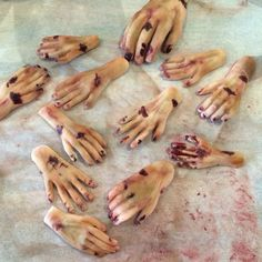 Sugarpaste- fondant - zombie hands - The Walking Dead Cake