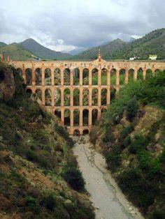 Acueducto romano del Águila Real, Nerja, Málaga España.
