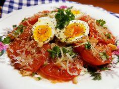 Rajčata nakrájíme na silnější plátky a lehce osolíme a posypeme malou špetkou cukru. Rozehřejeme pánev s trochou oleje a vložíme rajčata.Zprudka... Ramen, Eggs, Dinner, Vegetables, Breakfast, Ethnic Recipes, Dishes, Diet, Dining