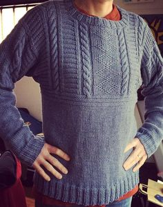 22 trendy knitting patterns free sweater for men guys Aran Knitting Patterns, Jumper Knitting Pattern, Jumper Patterns, Knitting Designs, Knit Patterns, Free Knitting, Pullover Design, Sweater Design, Knit Fashion
