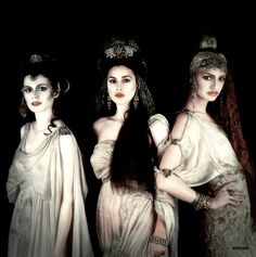 The Brides of Dracula: Bram Stoker's Dracula 1992 : Florina Kendrick, Monica Bellucci, and Michaela Bercu