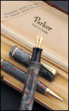 Parker Premiere Grey Pearl and Red (Set) c.1932  Photo by Álvaro Romillo