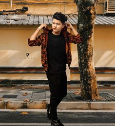 The famous tik tok star riyaz aly. Riyaz aly which was becoming a new star by the tik tok app. The tik tok star riyaz aly. Cute Boy Photo, Photo Poses For Boy, Boy Poses, Poses For Men, Man Photo, My Cute Love, Mens Photoshoot Poses, Handsome Celebrities, Mario