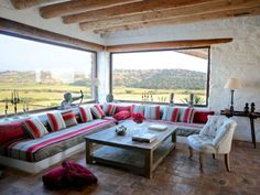 built-in sofa under windows Built In Sofa, Villa, Moroccan Interiors, Shared Rooms, Scandinavian Home, Small Living Rooms, Decoration, Home Art, Couch