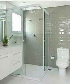 Small Bathroom Interior, Small Bathroom Layout, Bathroom Design Luxury, Home Design Decor, House Design, Small Shower Room, Bathroom Tile Designs, Toilet Design, Bathroom Toilets