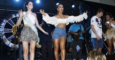 Sabrina Sato entrega a faixa de musa do carnaval 2016 para a atriz Ágatha Moreira durante feijoada na quadra da Vila Isabel, no Rio