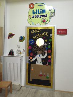 Bilim atölyesi kapı süsü