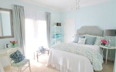 Ah. I love bedrooms. And blue.