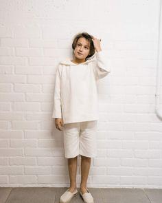 Traje de Comunión niño 2018, con pantalón corto, diseño moderno y cómodo