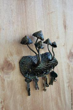 """Прихожая ручной работы. Ярмарка Мастеров - ручная работа. Купить Ключница """"Поганки"""". Handmade. Черный, для дома, ключница ручной работы"""