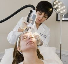 A skin plumping, tightening & lifting treatment. Great for anti-ageing, active acne and acne scarring!
