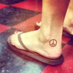 Peace sign tattoo just like this 3 Tattoo, Poke Tattoo, Peace Sign Tattoos, Tatoos, Wing Tattoos, Cool Tats, Creative Tattoos, Skin Art, Tattoo Artists