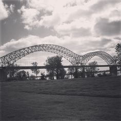 Black and white Memphis bridge