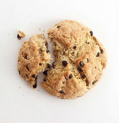 Irish Soda Bread / Raisins, caraway, and buttermilk flavor this mildly sweet bread that's a must for St. Patrick's Day. Get the recipe for Irish Soda Bread. Irish Desserts, Irish Recipes, Sweet Recipes, Simple Recipes, Buttermilk Recipes, Bread Recipes, Cooking Recipes, What's Cooking, Pizza Recipes