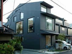 """""""Prefab home in Japan makes surprising use of windows""""  #realestate"""