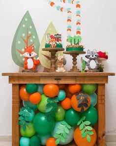 Cute Little Woodland Party Ideas Birthday Table Decorations, Birthday Party Tables, First Birthday Parties, Kids Party Decorations, Theme Bapteme, Fox Party, Baby Boy 1st Birthday, Fete Halloween, Baby Shower Balloons