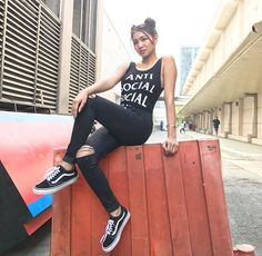 The fierce pucca girl © enzo ideas street styles philippines Nadine Lustre Ootd, Nadine Lustre Fashion, Nadine Lustre Outfits, Filipina Actress, Filipina Beauty, Nadz Lustre, Asian Street Style, Street Styles, Flattering Outfits