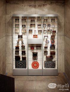 본태박물관 전통관 전시실에 마련한 '소반 타워'