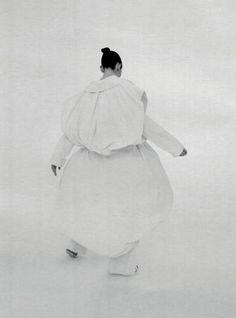 """Weiß wie Schwarz"" featuring Karlina Caune shot by Nicola Knels for Vogue Germany, February 2012. S)"