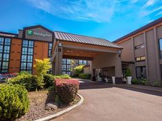 Wilsonville (OR) Holiday Inn Portland South/Wilsonville United States, North America Holiday Inn Portland South/Wilsonville is a popular choice amongst travelers in Wilsonville (OR), whether exploring or just passing through. Featuring a complete list of amenities, guests will find their stay at the property a comfortable one. Facilities like free Wi-Fi in all rooms, 24-hour front desk, facilities for disabled guests, luggage storage, room service are readily available for you...