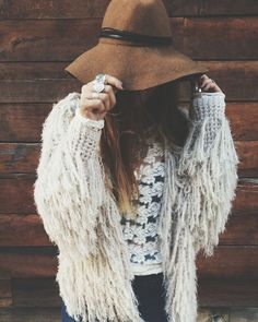 Modern hippie wide brimmed hat with boho chic fringe sweater.  For the BEST Bohemian fashion trends FOLLOW https://www.pinterest.com/happygolicky/the-best-boho-chic-fashion-bohemian-jewelry-gypsy-/ now!