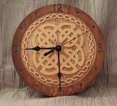 Celtic Knot Clock by bunbunwoodworking Home Clock, Diy Clock, Celtic Patterns, Celtic Designs, Celtic Knot Tattoo, Celtic Knots, Trophy Design, Wood Burning Crafts, Wood Clocks
