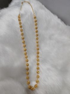 Plan Gold Chain to buy Gold Chain Design, Gold Jewellery Design, Indian Gold Jewellery, Bead Jewellery, Gold Chain Indian, Fashion Jewelry, Women Jewelry, Gold Jewelry Simple, Gold Chains For Men