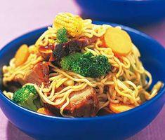 Recept: Fläskfilé med nudlar och wokgrönsaker